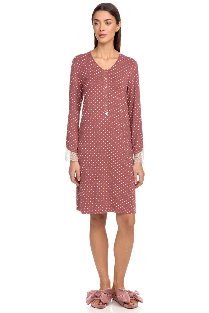 Nightgown with polka dots