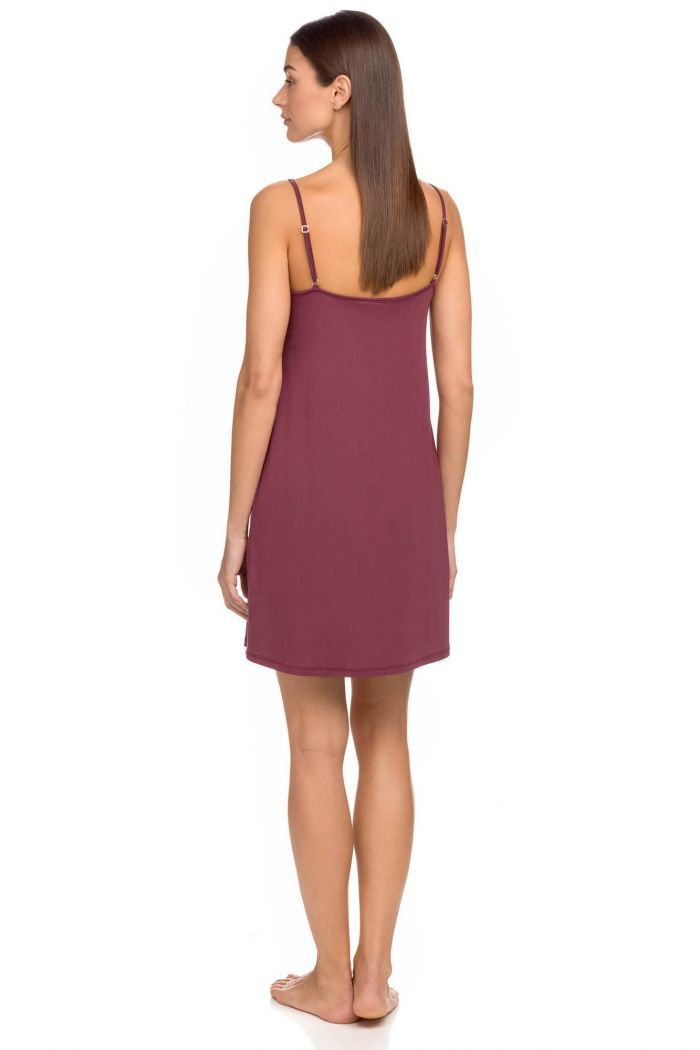 Women's loose nightgown
