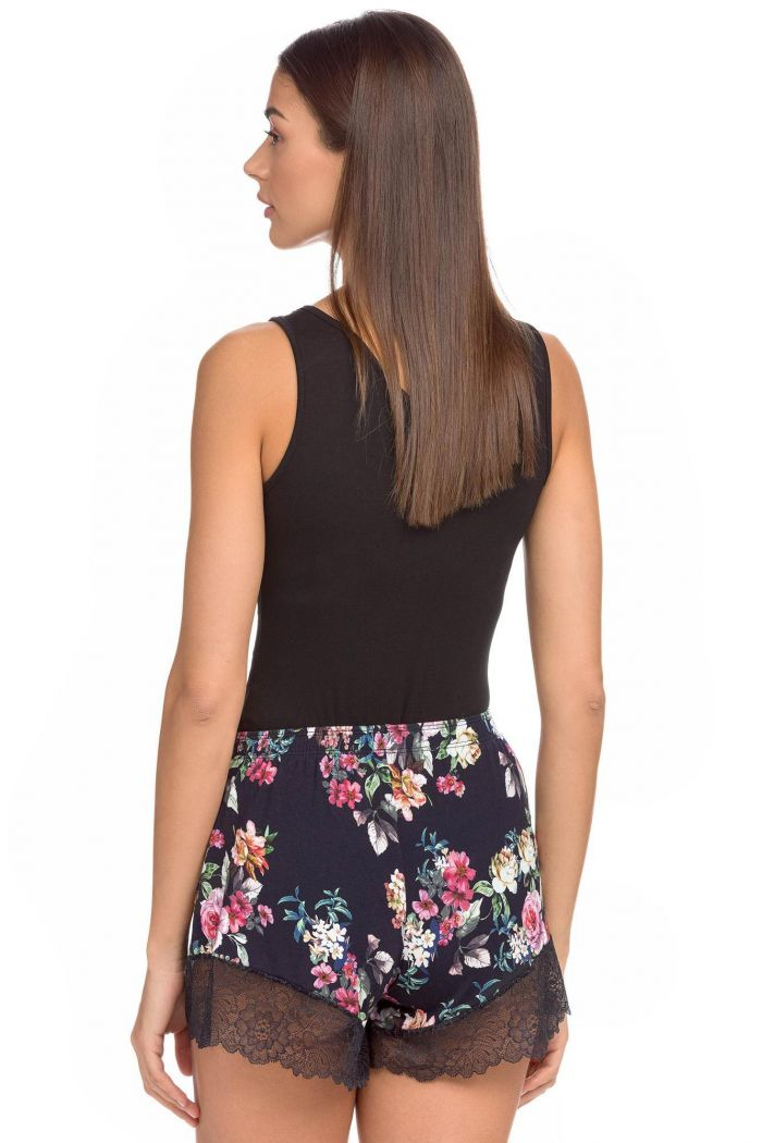 Women's shorts in floral design